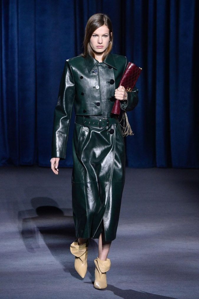 Emerald-green-leather-outfit-winter-fashion-2018-675x1013 80 Elegant Fall & Winter Outfit Ideas 2020