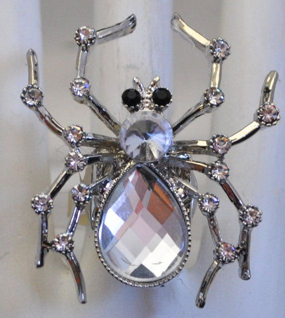 Summer-Jewelry-Statement-InsectBrooches-2 Top 5 Hottest Summer Jewelry Trends