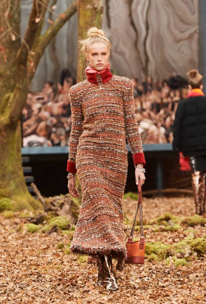 Tweed-dress-Fall-Fashion-Trends-2018-19-Chanel-675x996 80 Elegant Fall & Winter Outfit Ideas 2018/2019