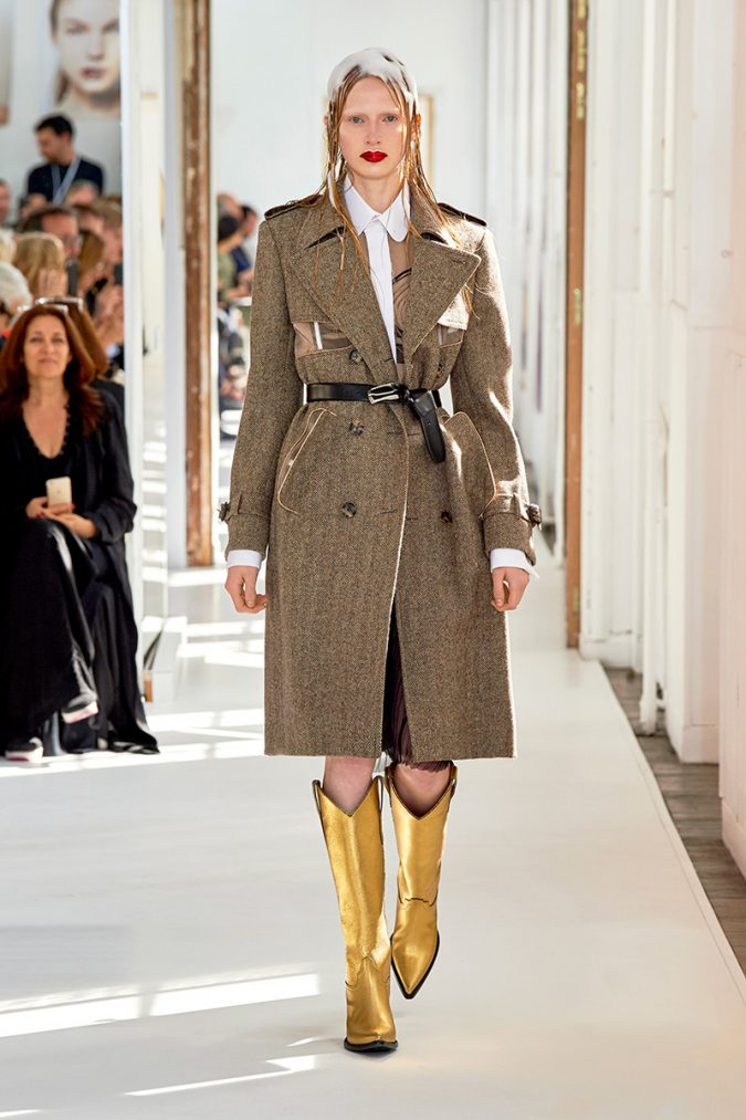 cowboy-outfit-boots-Maison-Margiela-Couture-FW17-675x1013 80 Elegant Fall & Winter Outfit Ideas 2020