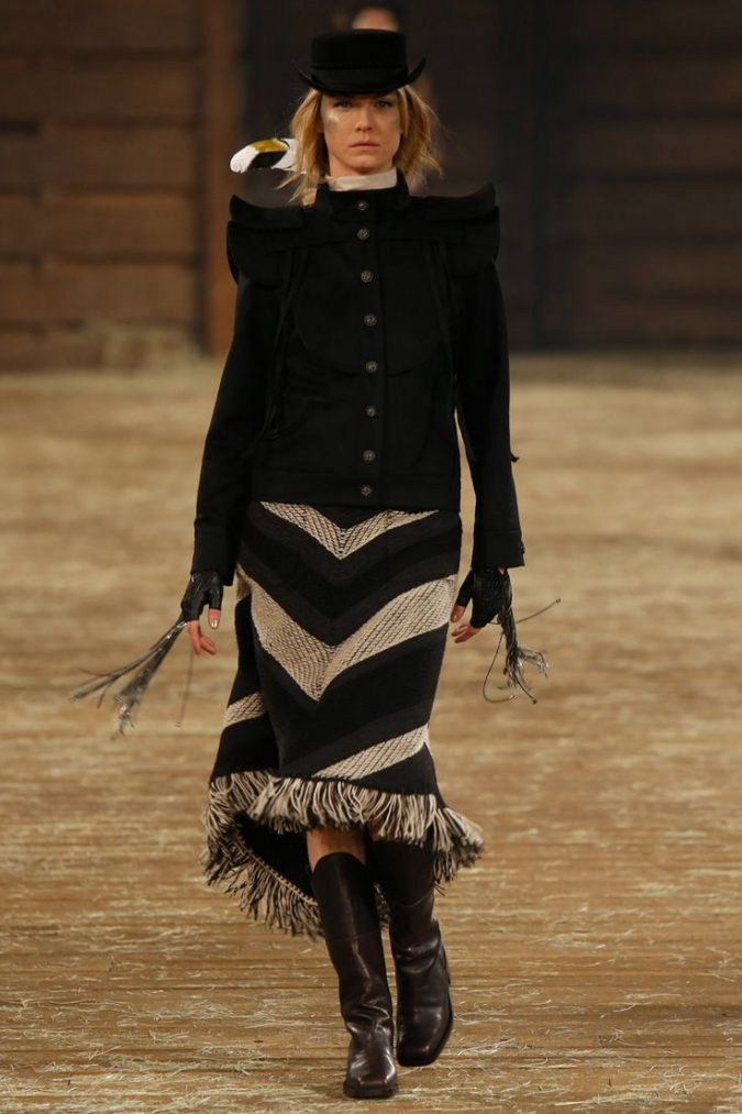 cowboy-outfit-boots-winter-fashion-2018-3-675x1013 80 Elegant Fall & Winter Outfit Ideas 2020