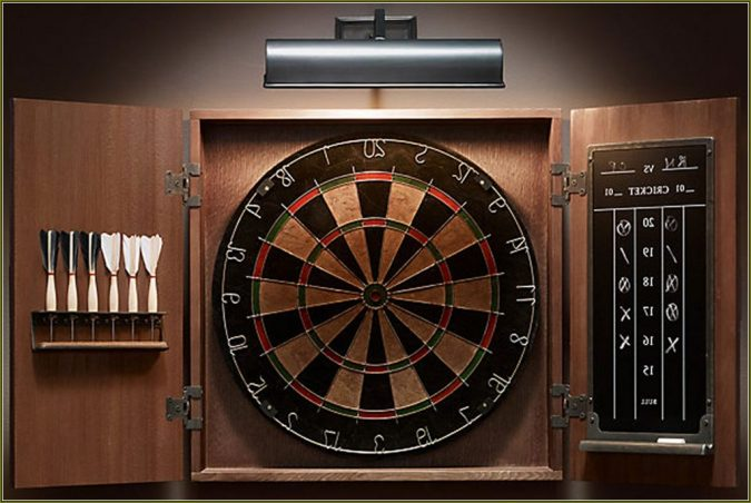 dartboard-with-cabinet-2-675x452 How to Choose the Best Outdoor Dartboard