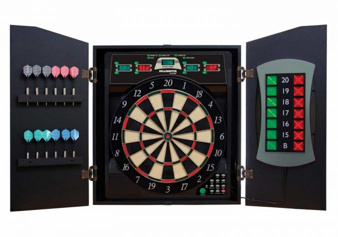electronic-dartboard-675x473 How to Choose the Best Outdoor Dartboard