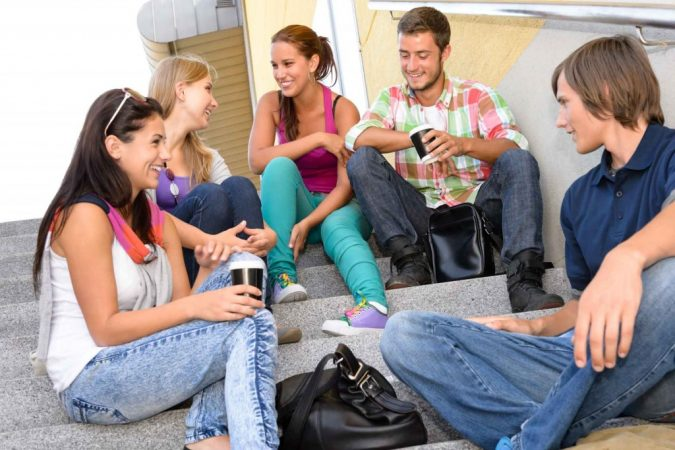 friends-talk-Teens-on-stairs-675x450 8 Keys to Set Health Goals and Achieve Them