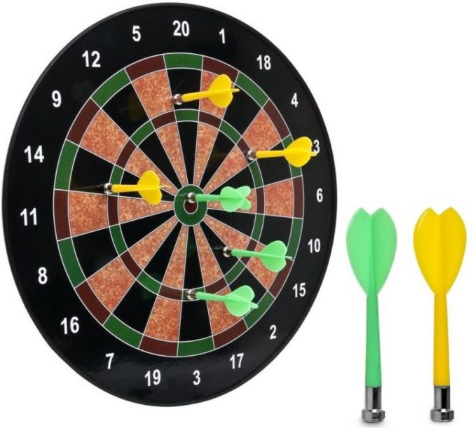 magnetic-dartboard-675x611 How to Choose the Best Outdoor Dartboard