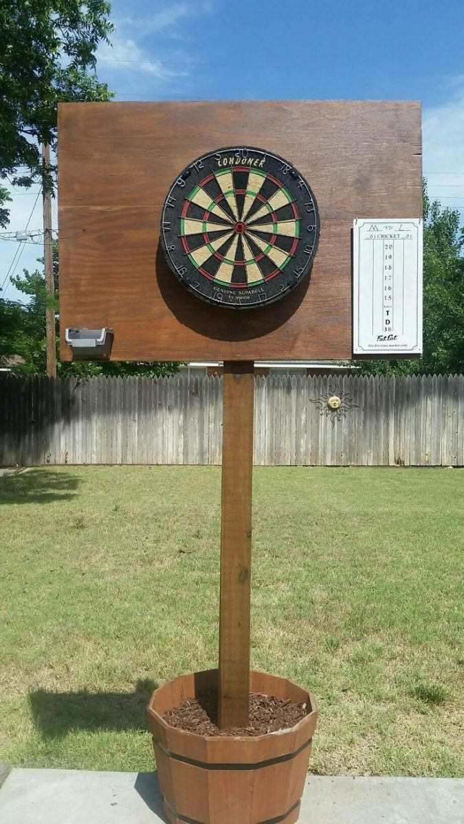 rubber-dartboard-outdoors-675x1200 How to Choose the Best Outdoor Dartboard