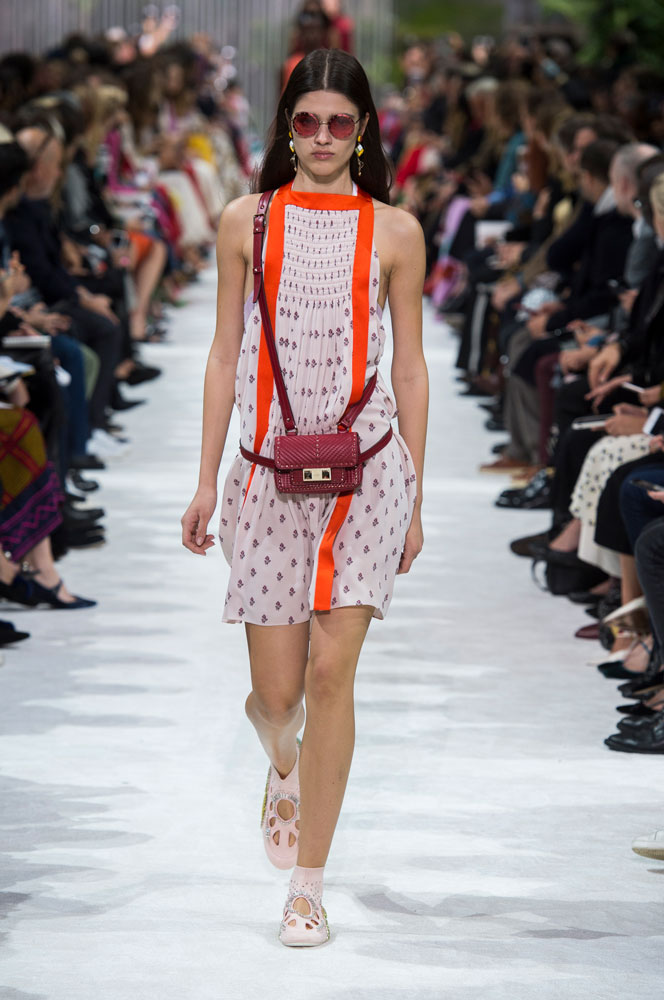 spring-fashion-2018-fanny-packs-valentino 15 Biggest Summer Fashion Trends We Are Obsessed with