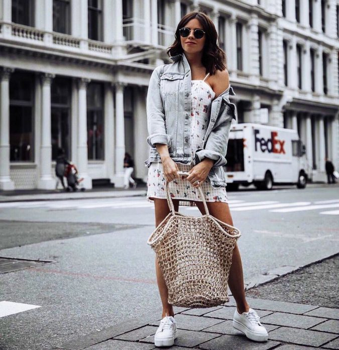 summer-fashion-2018-Soft-Woven-Bags-tiffany_jais_carrying_a_trend_net_bag-675x697 15 Biggest Summer Fashion Trends We Are Obsessed with
