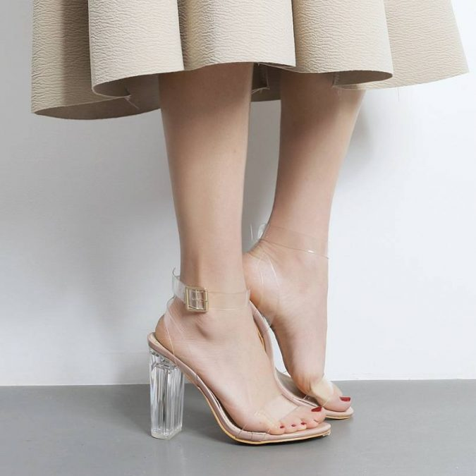 summer-trends-Transparent-sandal-675x675 15 Biggest Summer Fashion Trends We Are Obsessed with