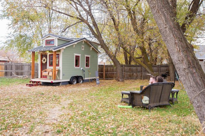 tiny-home-2-675x450 11 Tips on Mixing Antique and Modern Décor Styles