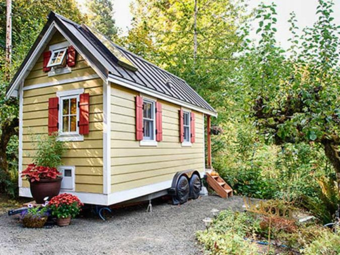 tiny-house-675x506 11 Tips on Mixing Antique and Modern Décor Styles