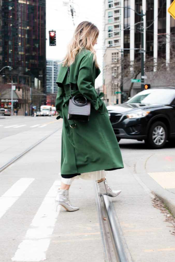 winter-outfit-The-Grey-Edit-Downtown-Green-Jacket-675x1013 80 Elegant Fall & Winter Outfit Ideas 2020