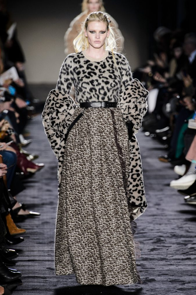 winter-outfit-animal-printed-dress-2-675x1017 80 Elegant Fall & Winter Outfit Ideas 2020
