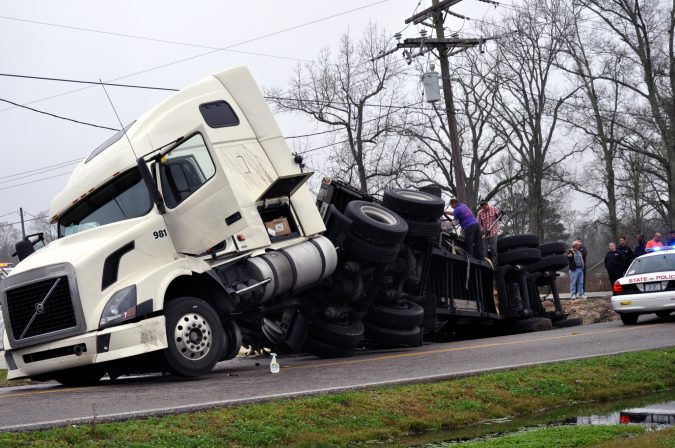 18-Wheeler-Accident-675x448 15 Frightening 18-Wheeler Accident Statistics
