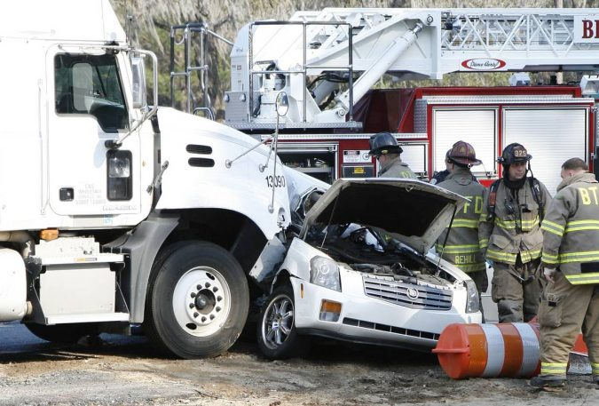 18-wheeler-accident-2-675x457 15 Frightening 18-Wheeler Accident Statistics