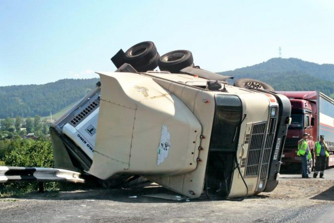 18-wheeler-accident-bigstock-Truck-Crash-78013658-675x451 15 Frightening 18-Wheeler Accident Statistics