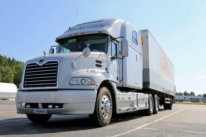 18-wheeler-truck-bigstock-grey-mack-vision-semi-truck-pa-95208599-675x450 15 Frightening 18-Wheeler Accident Statistics
