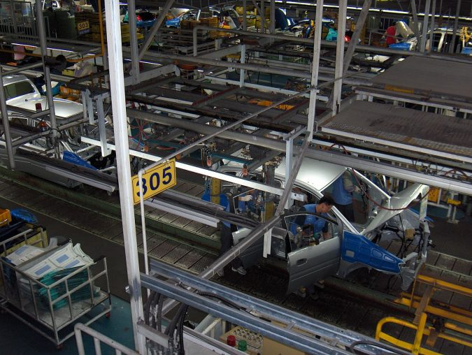 Automobile-industry-Hyundai_car_assembly_line-675x508 Top 10 Latest Technologies in Automotive Industry