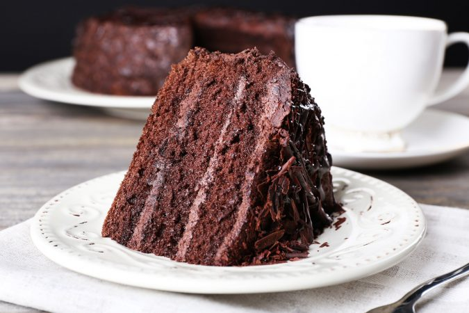 Chocolate-cake-675x450 Top Regular Cakes to Add the Sweetness in Your Celebrations