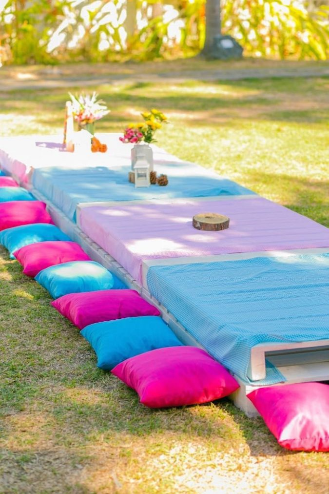 Picnic-Style-Party-1-675x1012 Best 10 Trending Backyard Party Ideas for All the Party Freaks Out There