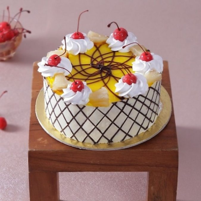 Pineapple-cake-2-675x675 Top Regular Cakes to Add the Sweetness in Your Celebrations