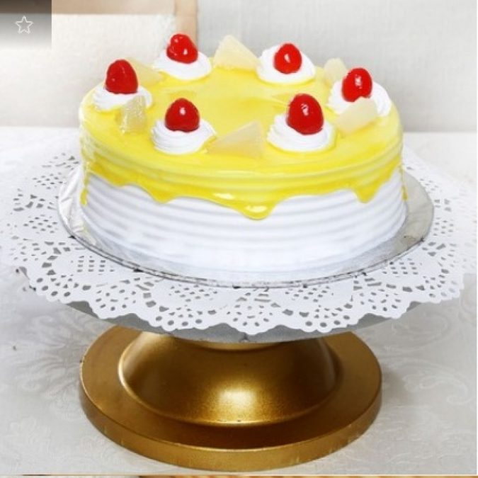 Pineapple-cake-675x675 Top Regular Cakes to Add the Sweetness in Your Celebrations