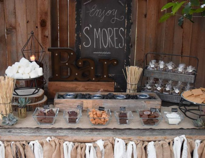 backyard-party-Smores-bar-675x521 Best 10 Trending Backyard Party Ideas for All the Party Freaks Out There