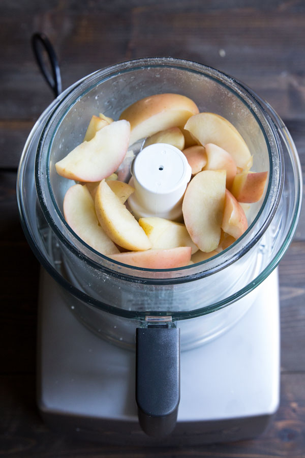homemade-Baby-Friendly-Applesauce Baby Food Recipes: Making Your Own Baby Food is Simple and Healthy