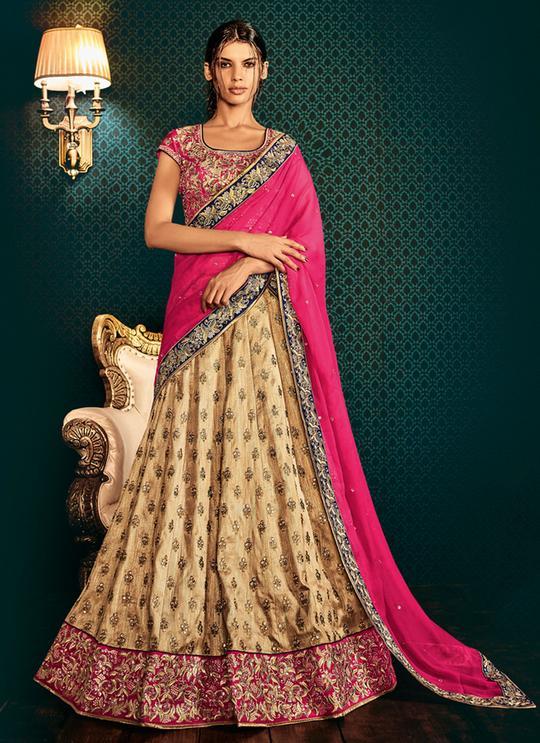 pink-silk-lehenga Shop Perfect Lehenga Online [Top Lehenga Saree Designs]