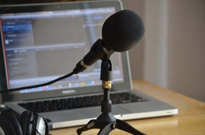 podcasting-675x445 7 Ways to Make Your Own Money