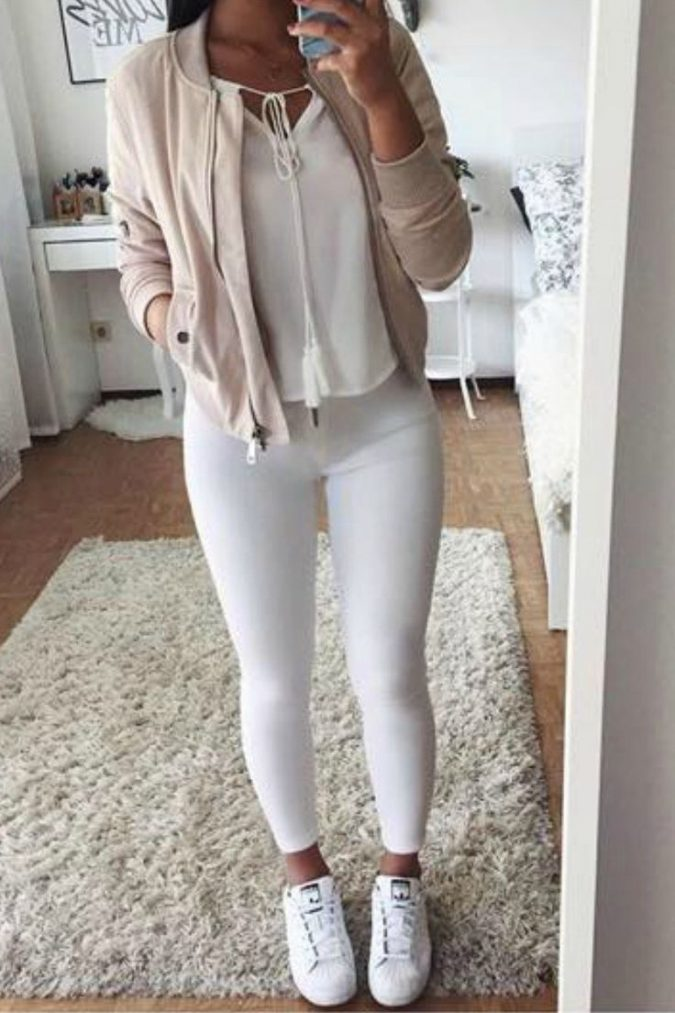 school-outfits-White-Jeans-2-675x1013 Top 12 Trending Back-to-School Outfits 2018/2019