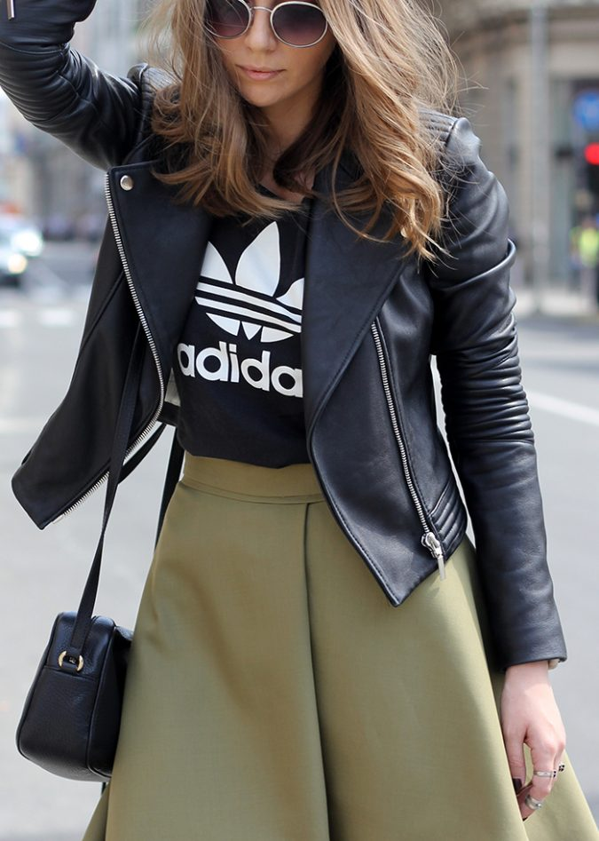 school-outfits-adidas-t-shirt-675x947 Top 12 Trending Back-to-School Outfits 2019