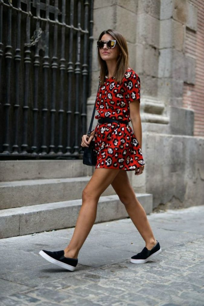 school-outfits-floral-dress-with-sneakers-675x1013 Top 12 Trending Back-to-School Outfits 2019