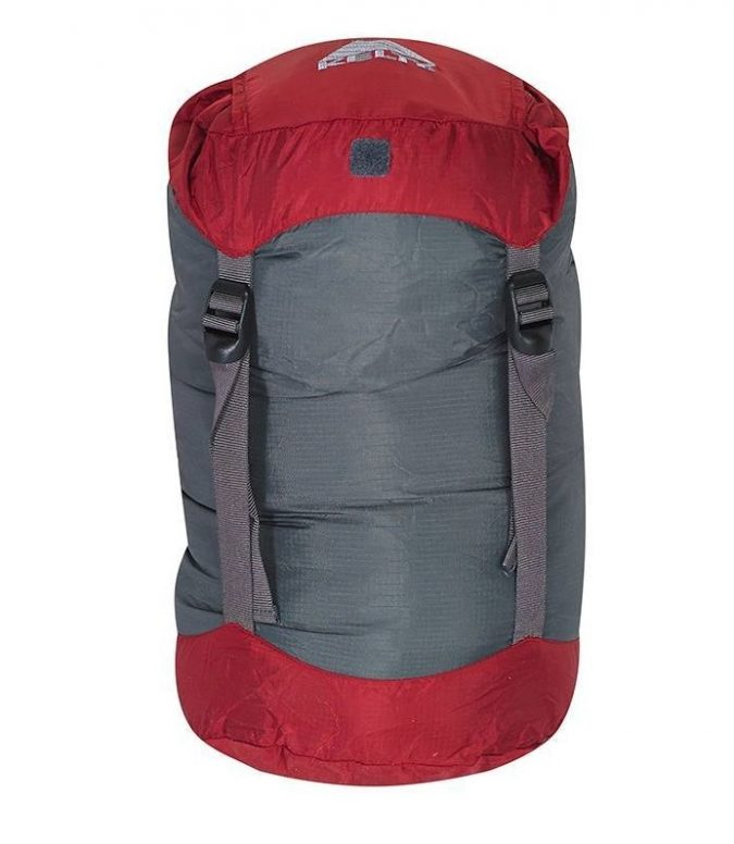 travel-compression-stuff-sacks-675x776 10 Packing Essentials Tips for Your Next Adventure Holiday