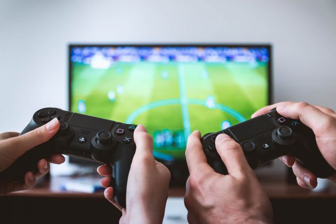 video-game-devices-play-station-675x450 Best 10 Trending Backyard Party Ideas for All the Party Freaks Out There