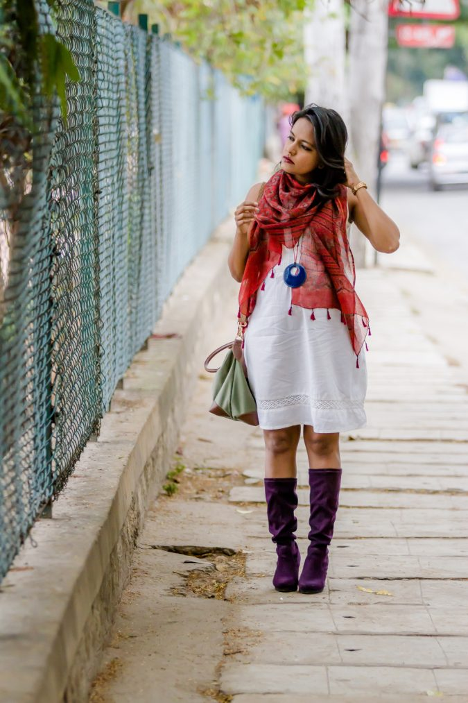 ajrak-boho-outfit-with-scarf-675x1013 7 Bohemian Fashion Trends for Fall-Winter 2019