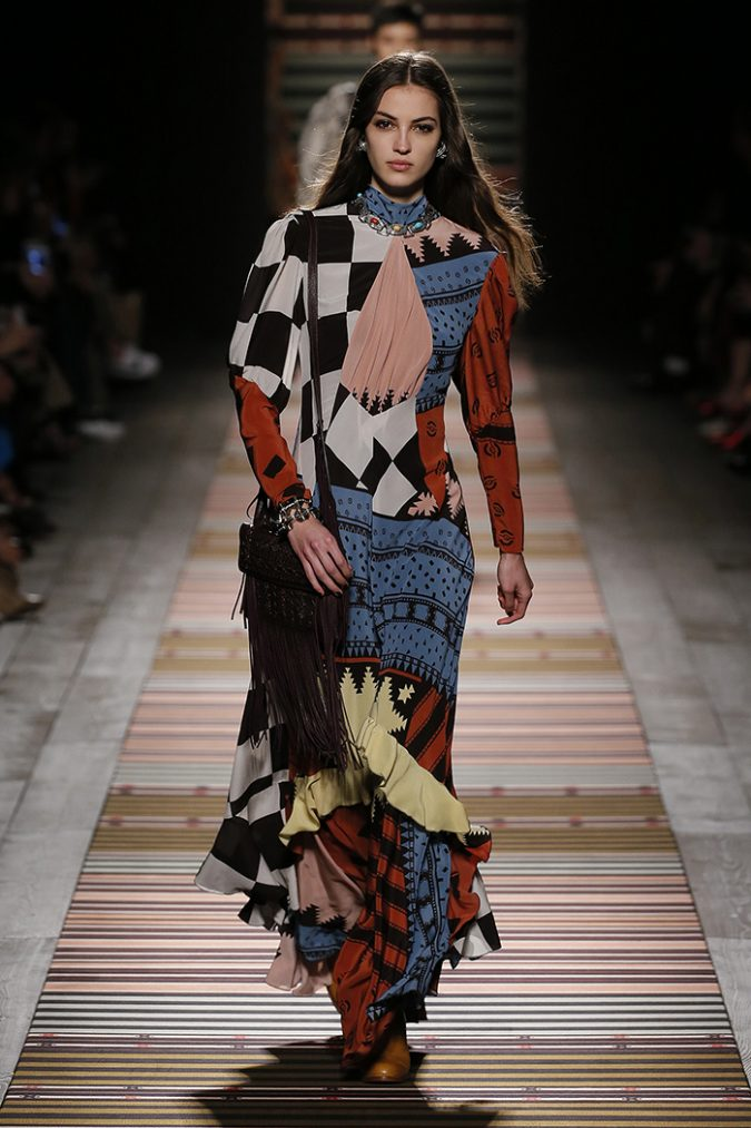 boho-fashion-dress-ETRO-Fall-Winter-2018-2019-675x1013 7 Bohemian Fashion Trends for Fall-Winter 2019