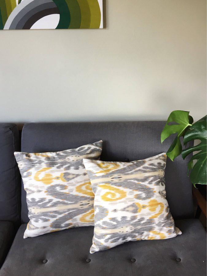 boho-home-decor-living-room-Ikat-patterns-675x899 +45 Stellar Boho Interior Designs & Trends for 2020