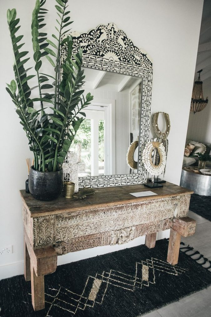 boho-home-decor-venetian-mirror-675x1011 +45 Stellar Boho Interior Designs & Trends for 2019