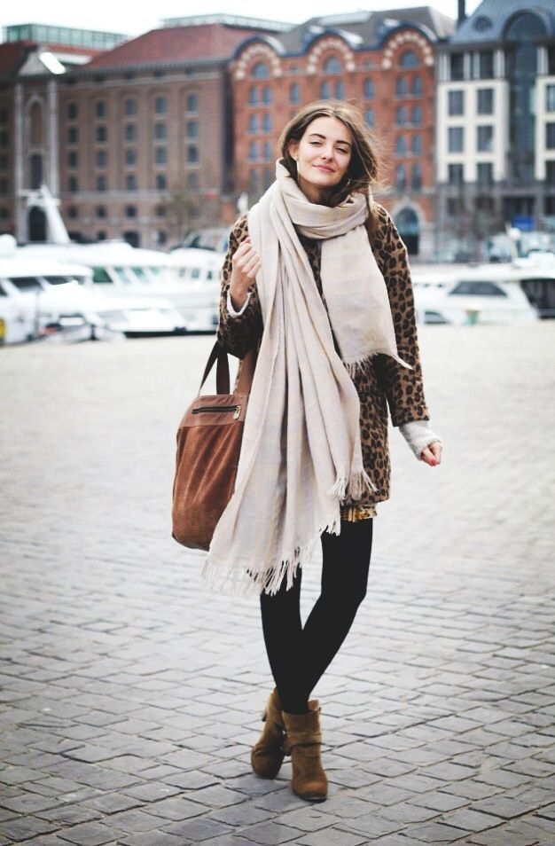 messy-scarf 8 Trendy Ways to Wear Winter Scarves Creatively