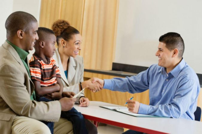 parent_teacher_-675x449 Parent's Guide: How to Choose the Best School for Your Kids
