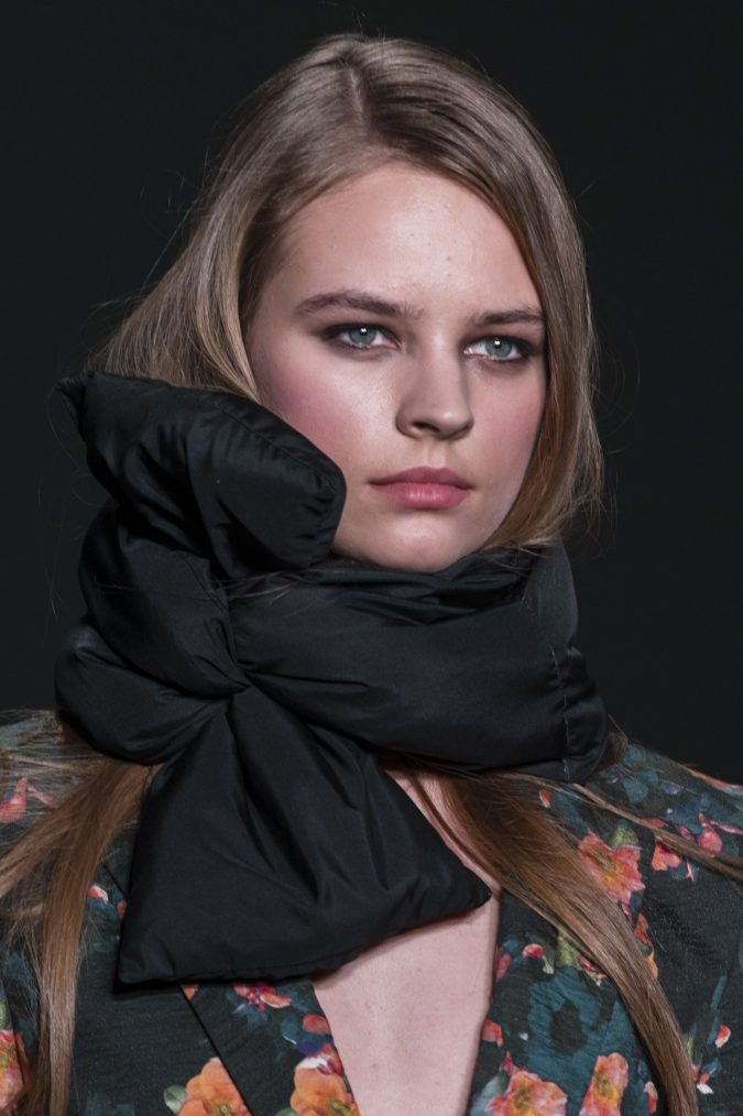 winter-scarf-fashion-2019-675x1014 8 Trendy Ways to Wear Winter Scarves Creatively .. [2019 Trends]