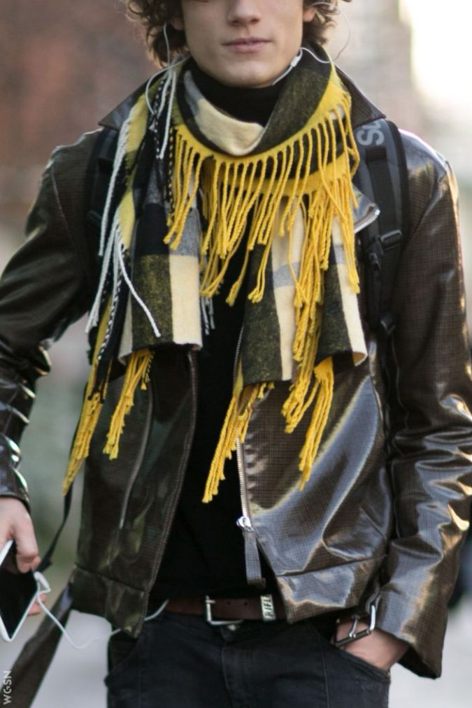 winter-scarf-for-men-fashion-2019-675x1013 8 Trendy Ways to Wear Winter Scarves Creatively