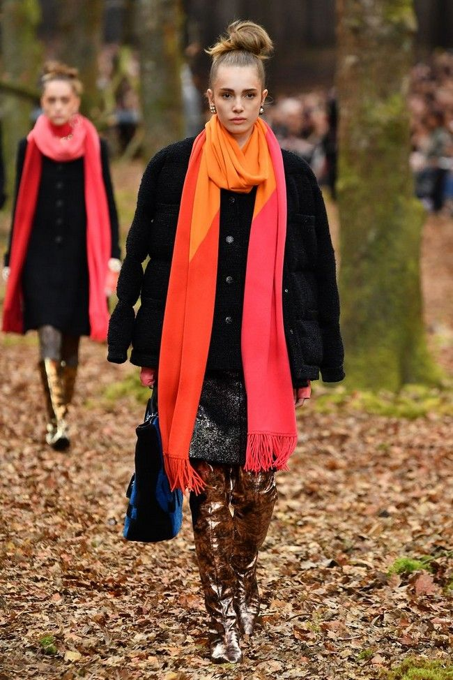 winter-scarf-winter-2018-2019-fashion 8 Trendy Ways to Wear Winter Scarves Creatively