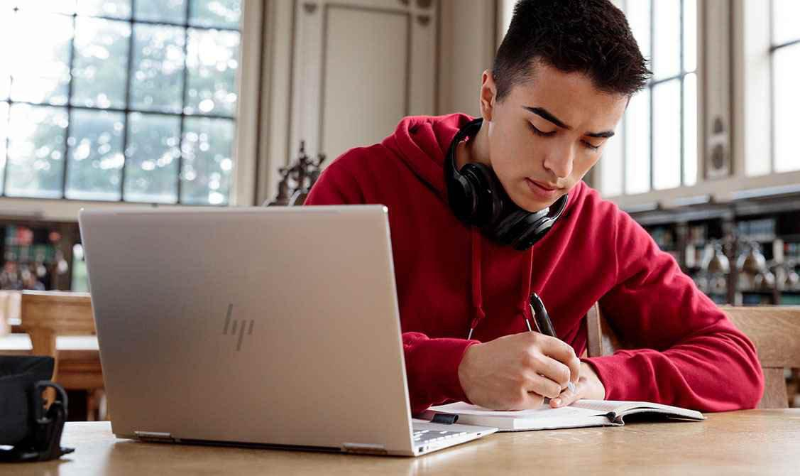 Hp-Laptop-student 14 Ways to Improve Your Grades if You're Underperforming