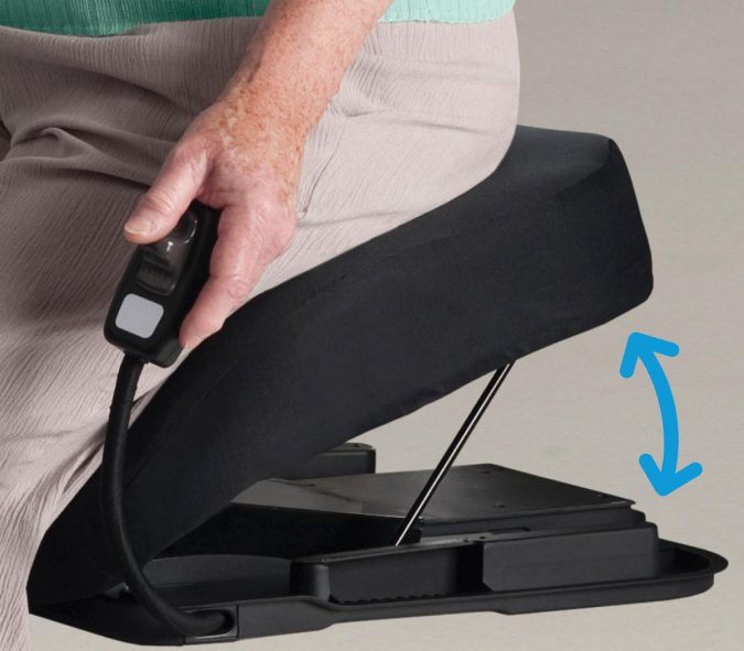 Portable-Lift-Seats-e1543265844608-675x591 Top 4 Devices That Make Travel Easier for Seniors