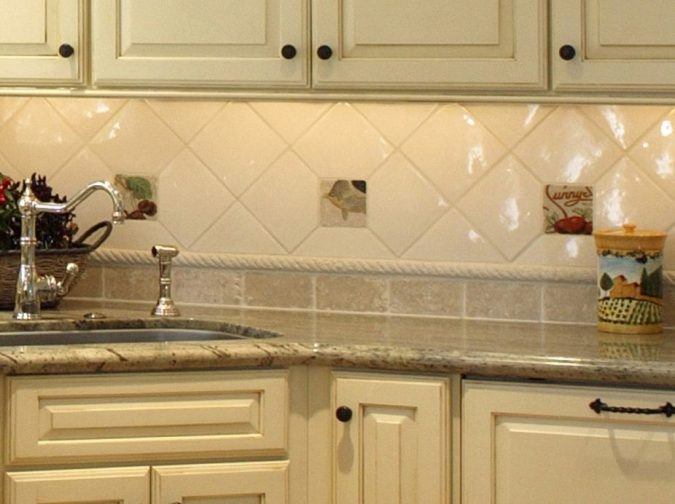 backsplash-tiles-kitchen-decor-675x504 10 Outdated Kitchen Trends to Substitute in 2021