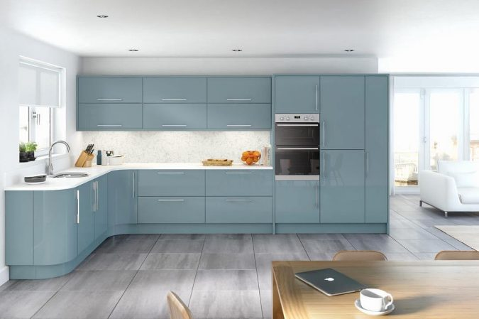kitchen-decor-cabinets-with-frameless-doors-675x449 10 Outdated Kitchen Trends to Substitute in 2019