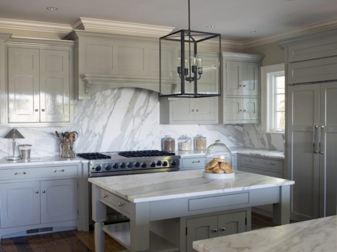 kitchen-decor-marble-backsplash-and-countertop-675x506 10 Outdated Kitchen Trends to Substitute in 2019