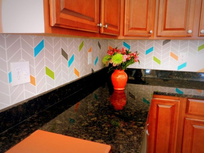 kitchen-decor-painted-chevron-backsplash-675x507 10 Outdated Kitchen Trends to Substitute in 2019
